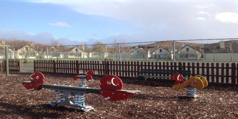 75CG-playground1