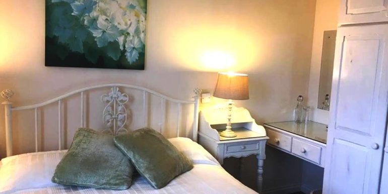 Harbour_house_bed1b