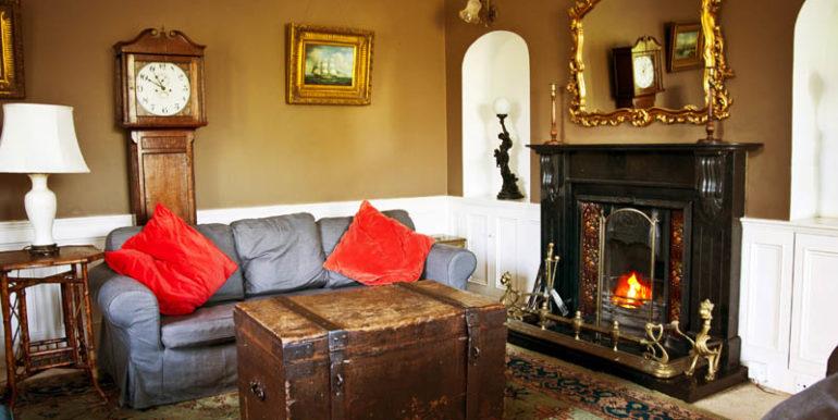 housesitting-room