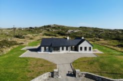 Wave Bay Cottage, Ballyconneely